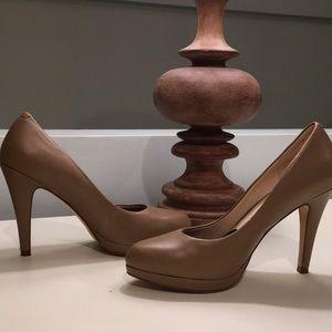 Nine West Rocha Camel heels
